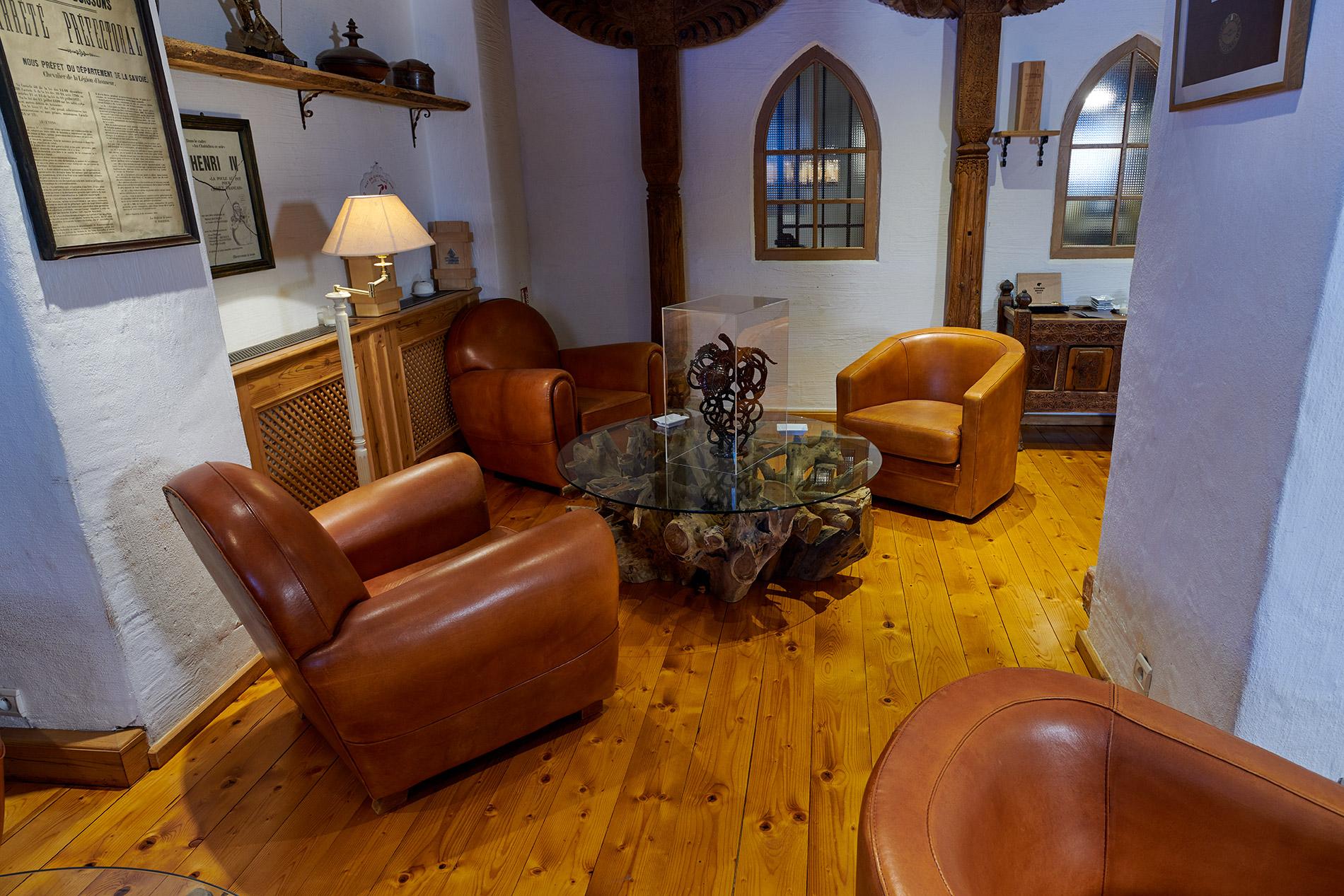 produit pour parquet produits de nettoyage entretien et traitement des parquets plastor. Black Bedroom Furniture Sets. Home Design Ideas